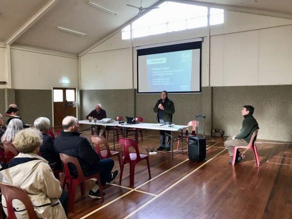 John Hewitson, Chair of the Waikawa Beach Ratepayers Association, speaking to the group.